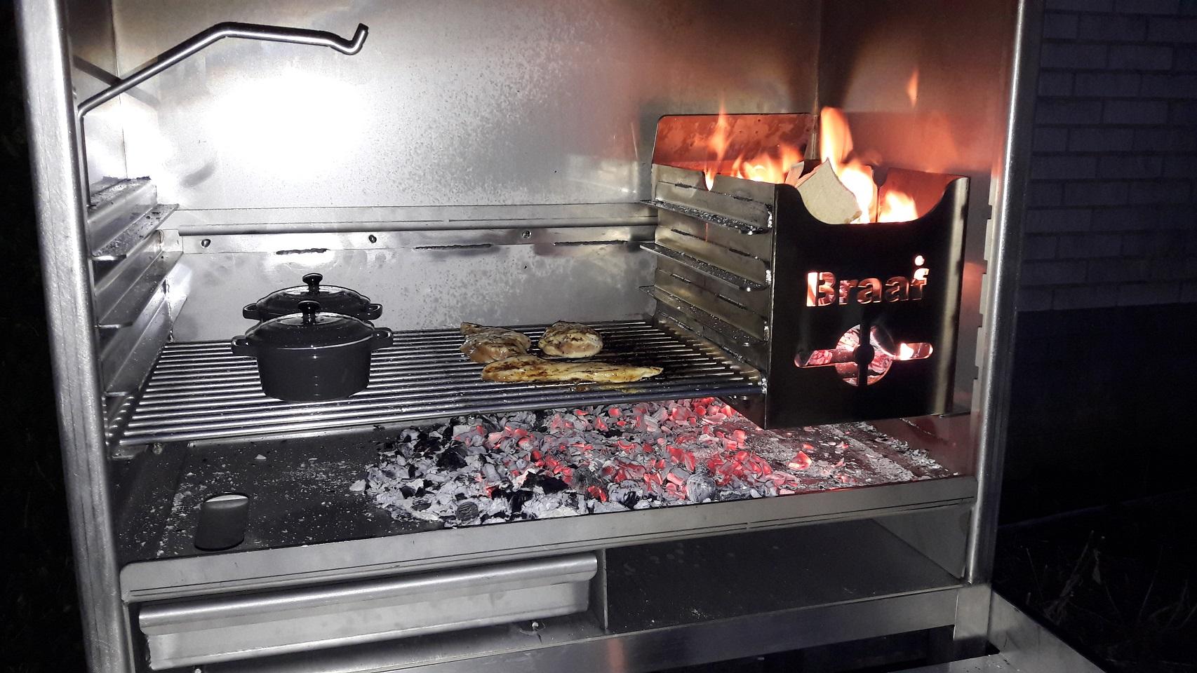 Braai inbouw-model houtskool-bbq, pizza-oven en houtkachel in 1