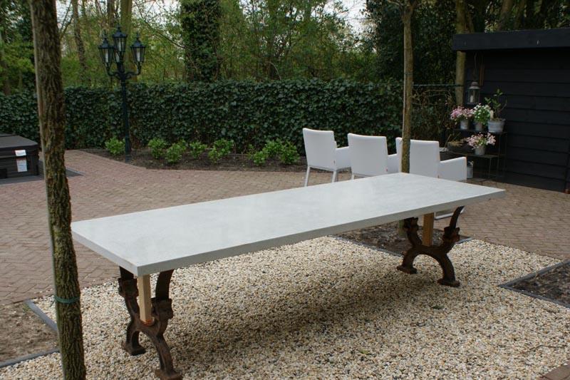 Betonnen tafelblad 180 x 80 x 4 cm.